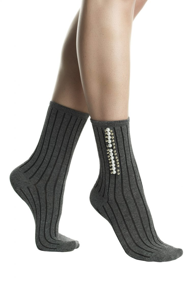 Дамски елегантни оребрени къси чорапи с перли Pompea Julia в сив меланж