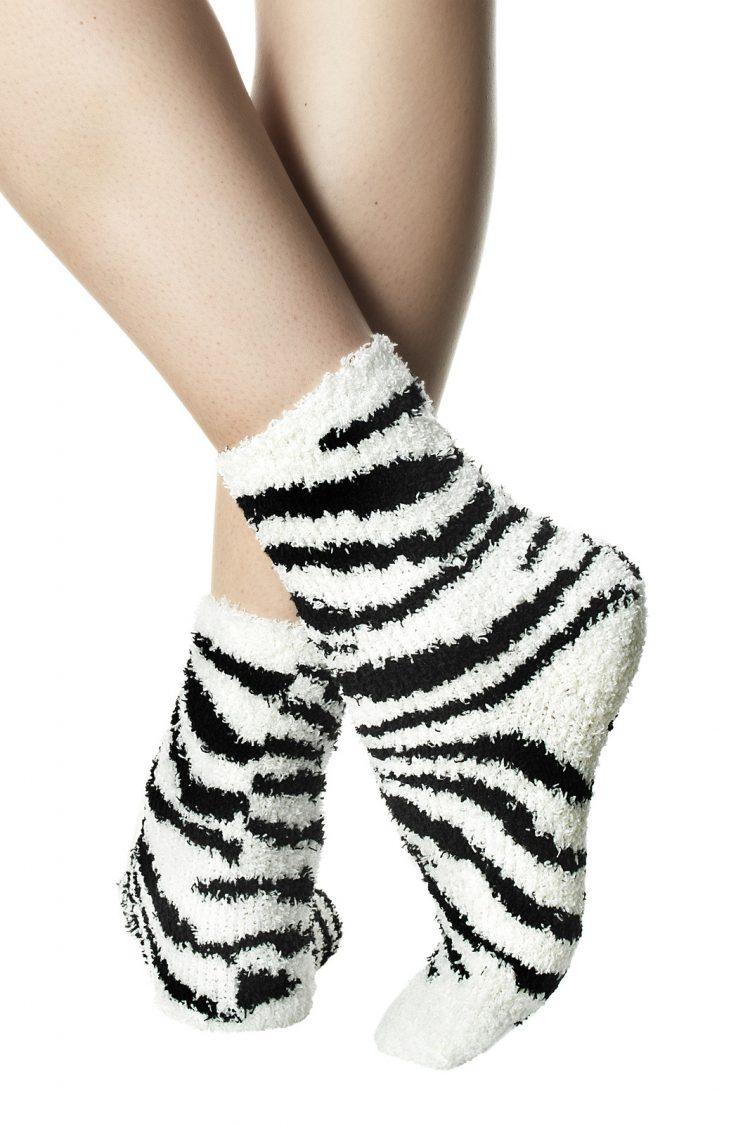 Дамски меки къси чорапи с принт зебра в бяло Pompea Animal Zebra