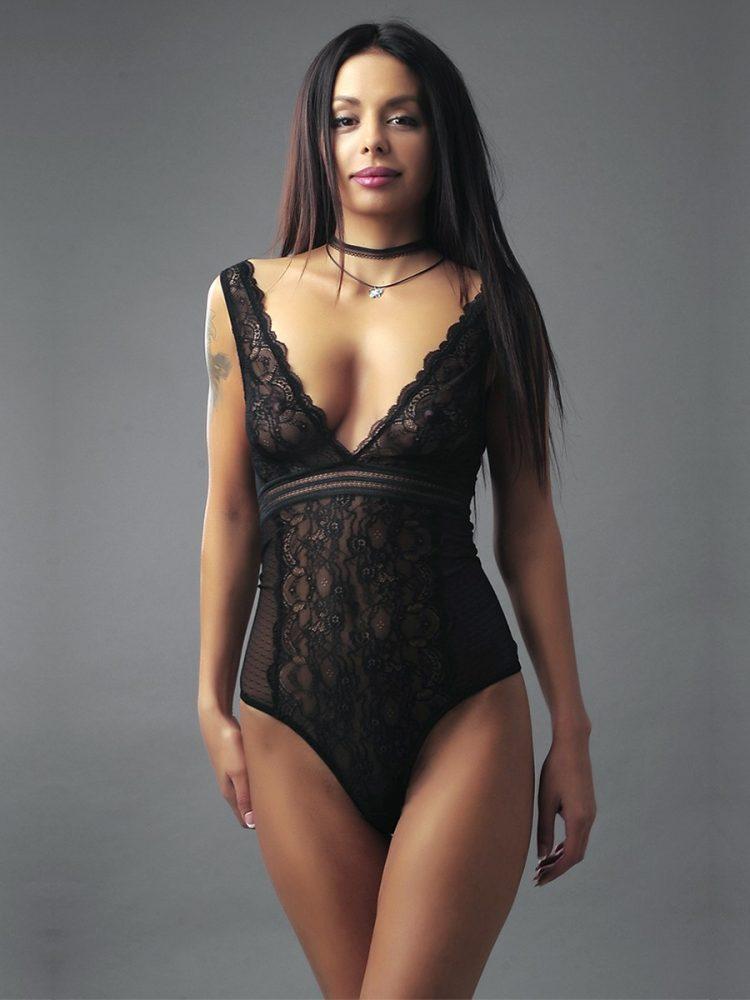 Луксозно дамско черно дантелено боди с меки триъгълни чашки New Silhouette 4453