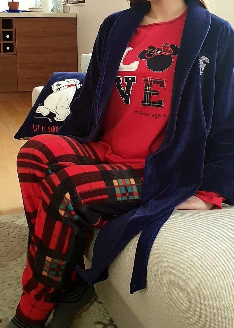 Дамска зимна пижама с надпис в червено с долнище в каре Furore Love