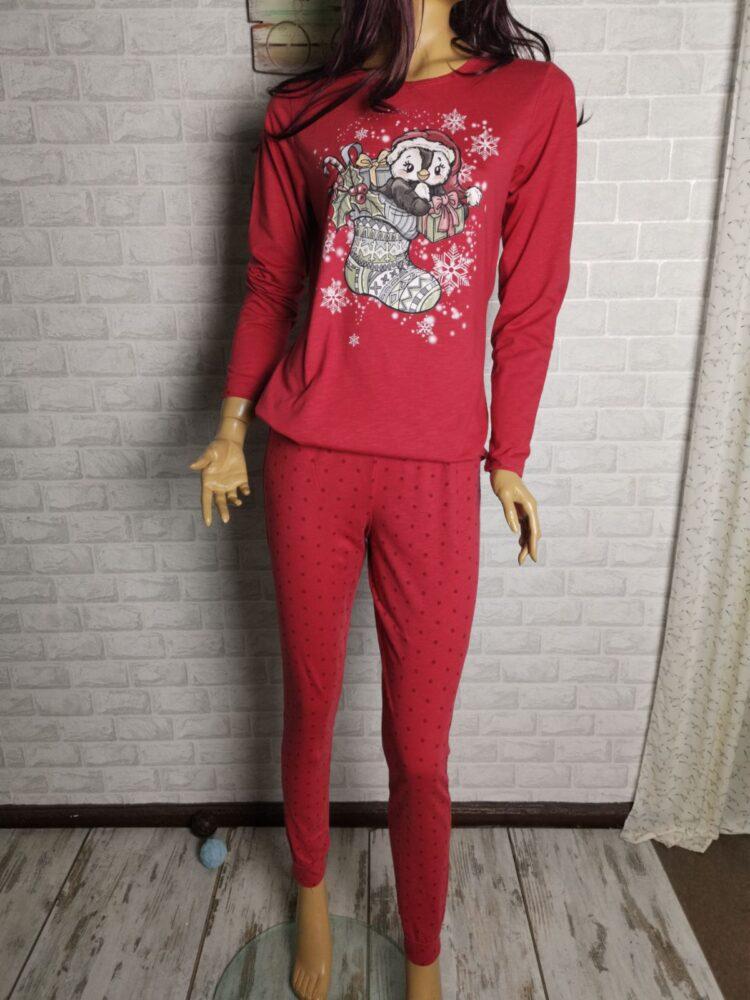 Дамска коледна пижама в червено с врабче и ботуш с подаръци Иватекс 3274