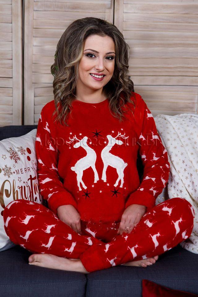 Дамска коледна пижама от пухкава материя и полар със еленчета в червено 2021