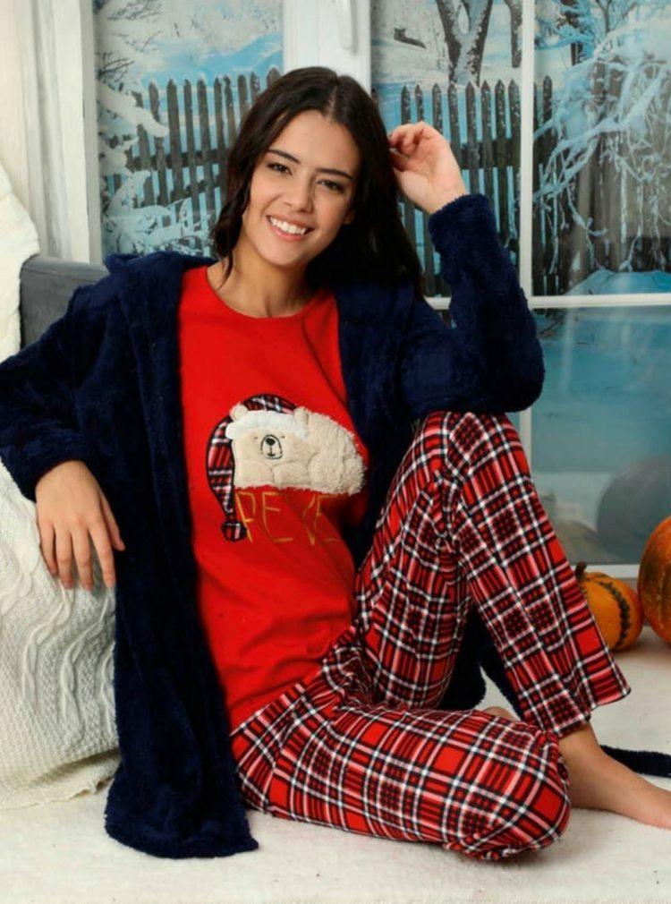 Дамски коледен комплект пижама с мече и пухкав халат 5927