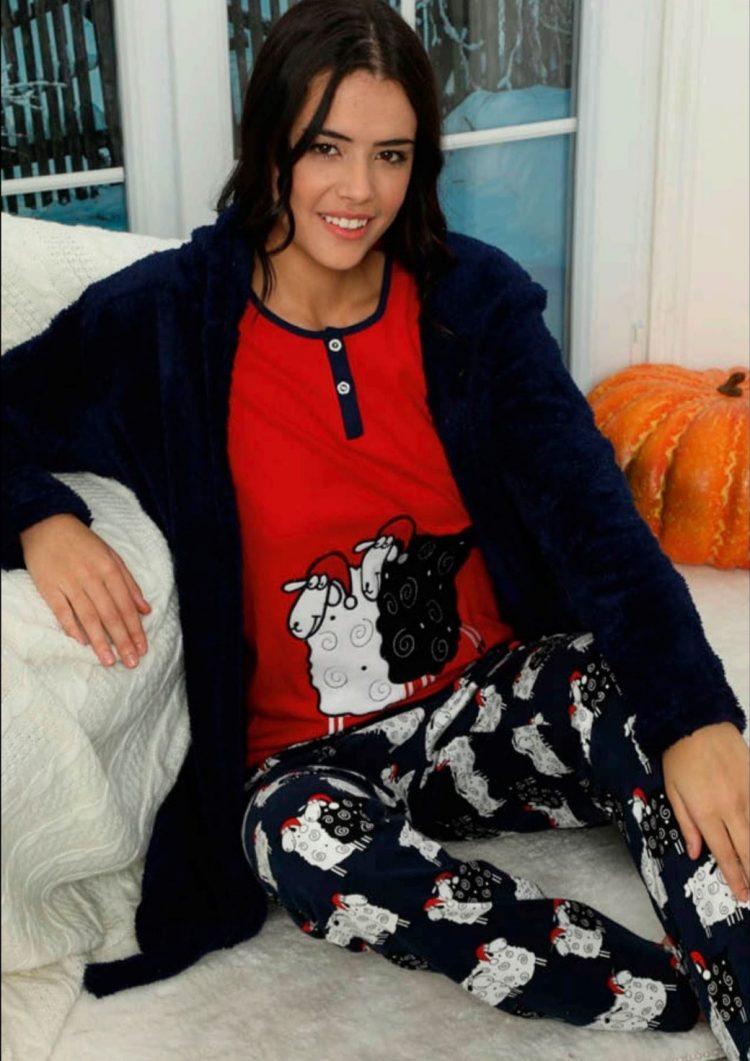 Дамски коледен комплект пижама с овце и пухкав халат 5928