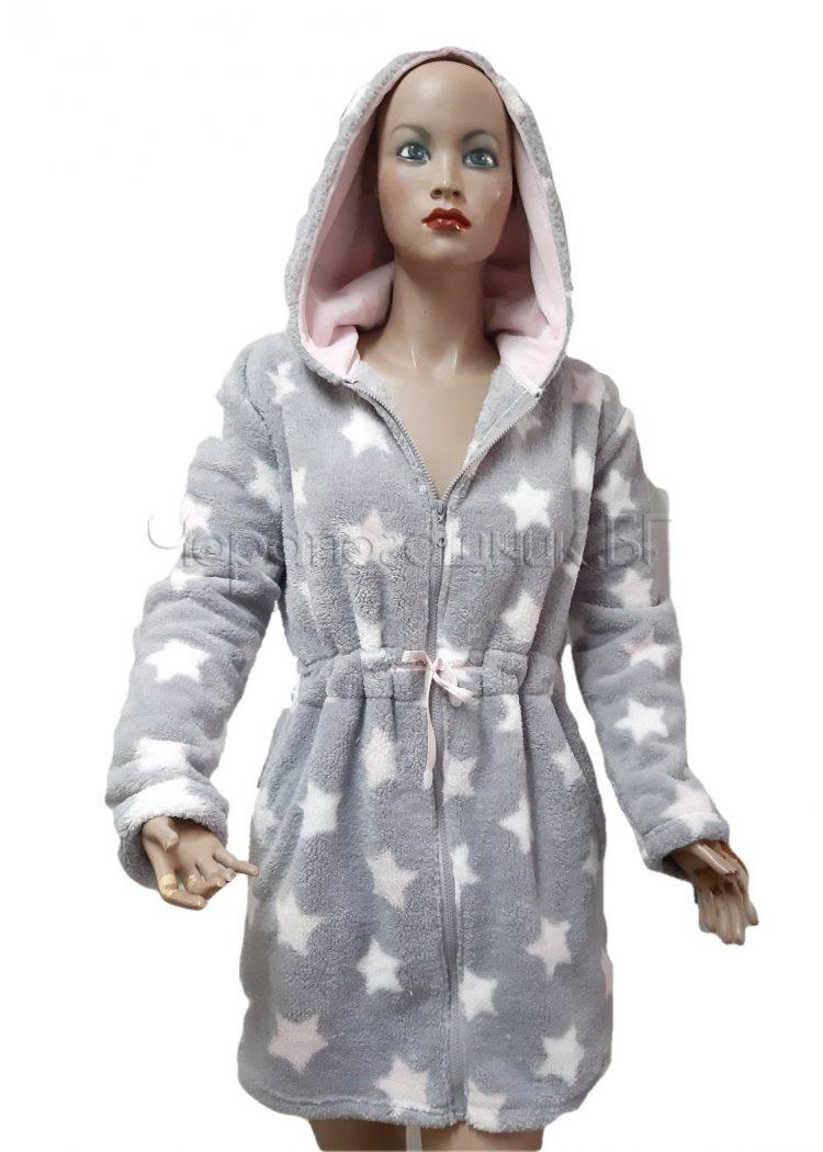 Дамски зимен пухкав халат от велсофт с качулка и цип Desislava 4007 в сиво на звезди