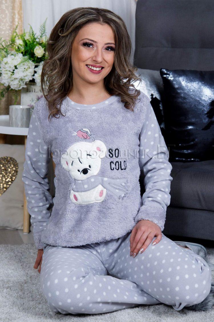 Дамска зимна дебела пижама от пухена материя и полар сива с мече 2021
