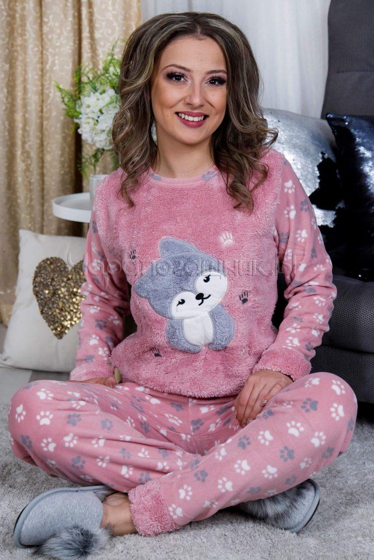 Дамска зимна дебела пижама от пухена материя и полар с кученце в розово 2021