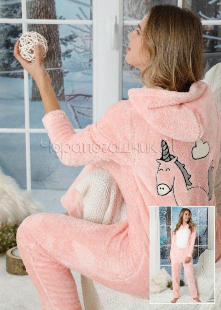 Дамска топла пухкава пижама гащеризон с качулка в праскова с еднорог 5334
