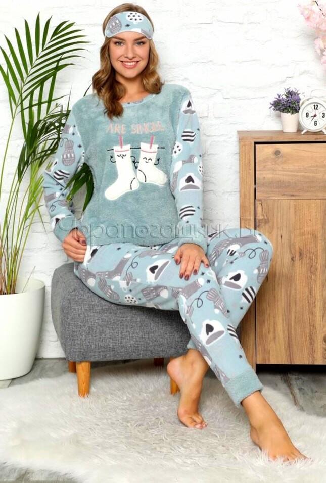 Дамска зимна дебела пижама от пухкава материя и полар с ботушки в зелено 2021