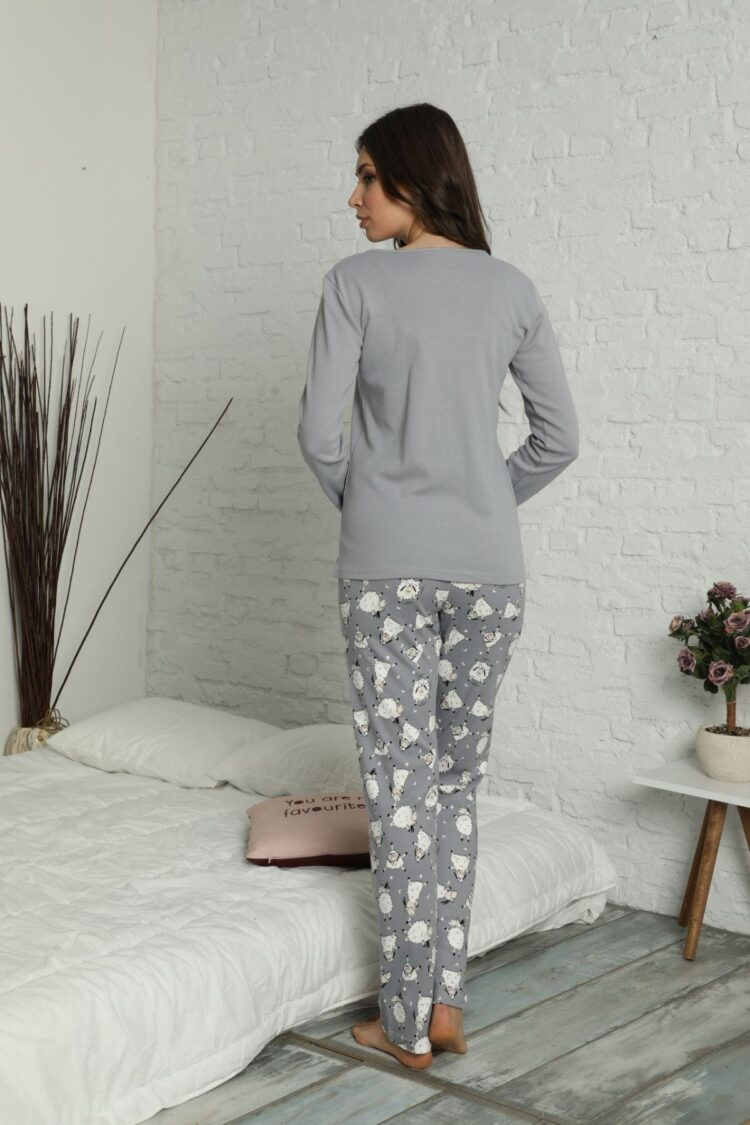 Дамски комплект пижама с пухкав халат 6991 с овце
